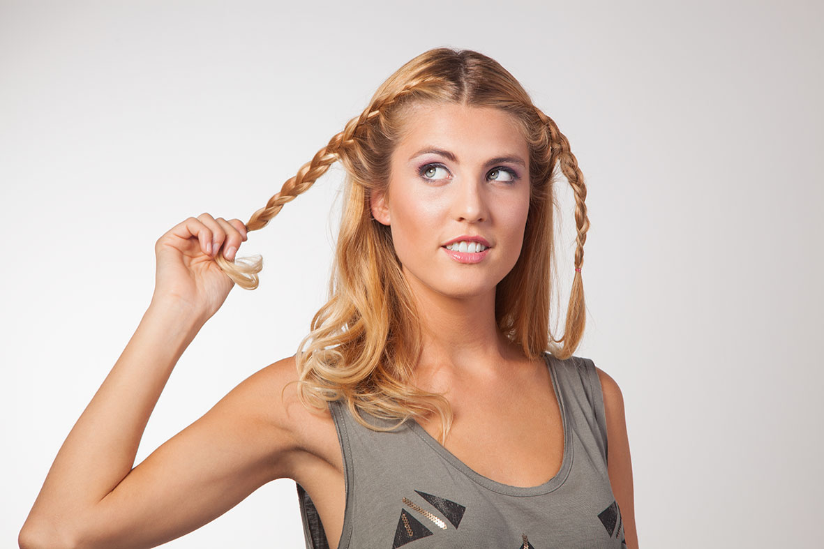 Peinados de trenzas hacia atras