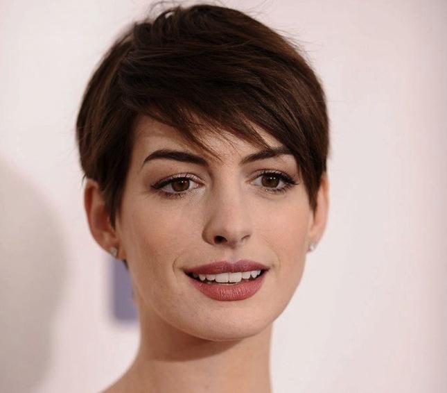 Anne Hathaway Gana: Inspirate En Los Peinados De Las Famosas Para Lucirlos En