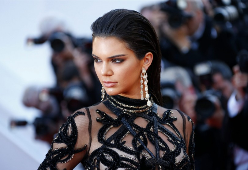 "Model Kendall Jenner poses on the red carpet as she arrives for the screening of the film ""Mal de pierres"" (From the Land of the Moon) in competition at the 69th Cannes Film Festival in Cannes, France, May 15, 2016. REUTERS/Yves HermanCODE: X00380    Alfombra roja Mal de Pierres Cannes  50/cordon press"
